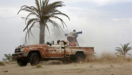 A pro-government Yemeni soldier on June 7, 2018, near al-Jah, 50 kilometres from the port city of Hodeida