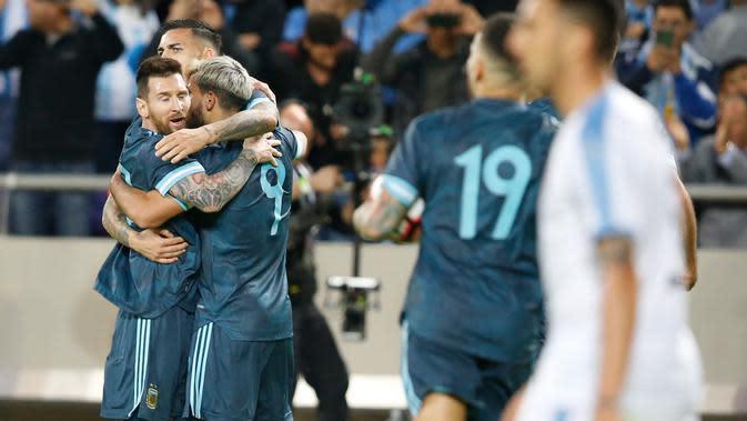 Lionel Messi Cetak Gol untuk Argentina, Fansnya Balas Mengejek Cristiano Ronaldo