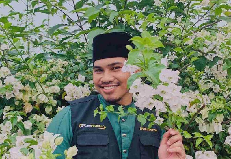 Preacher PU Abu denied that his marriage to cosmetics entrepreneur Nurhannah Azra Mohd Zakir will end soon despite Nurhannah saying that she was waiting for a court date. ― Picture via Instagram/ puabu.official
