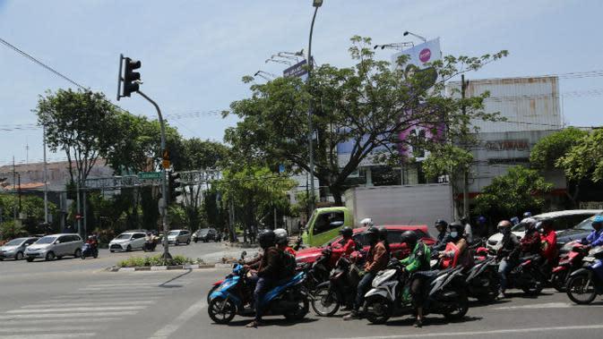 Pemkot Surabaya Optimalkan Pengerukan Saluran Air