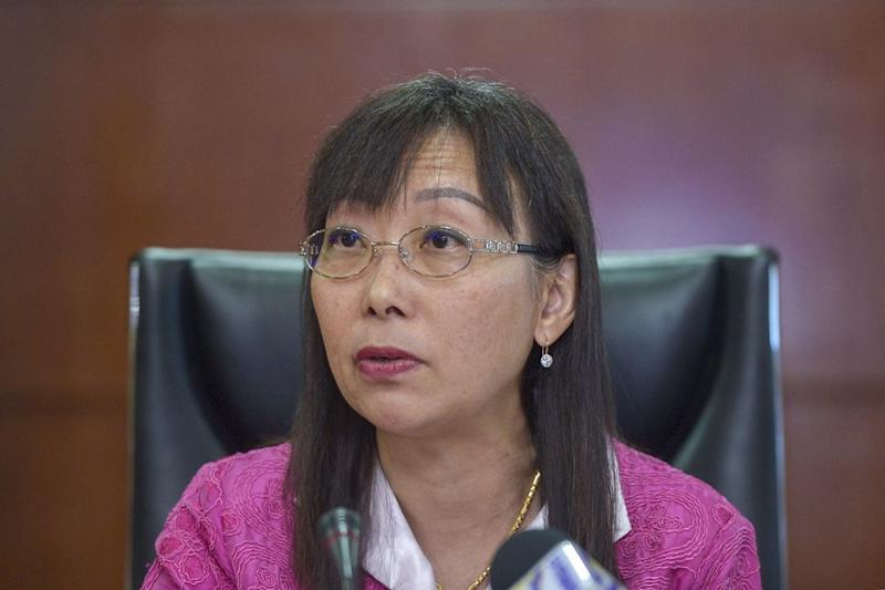 Teresa Kok (pic) criticised Ahmad Nazlan's decision as untimely since MRB failed to conduct any cost-benefit analysis with the justification provided not-of-sound socio-economic basis as the country was still grappling with the ongoing Covid-19 outbreak.— Picture by Mukhriz Hazim