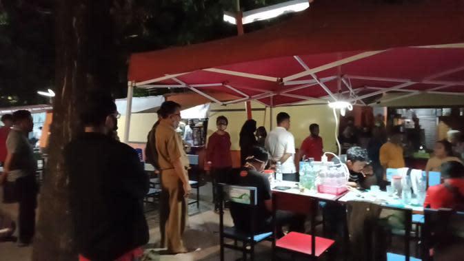 Kawasan kuliner PKL Center Kanre Rong Makassar (Liputan6.com/Fauzan)
