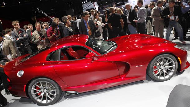 2013 SRT Viper reborn as a 640-hp Detroit-built supercar
