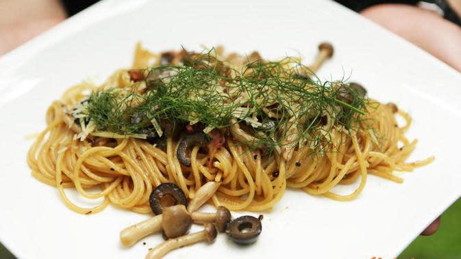 Spaghetti Aglio E Olio Jamur (Foto: Kokiku Tv)