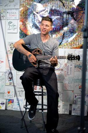 "Chris Rene Brings ""Trouble"" To Yahoo!"