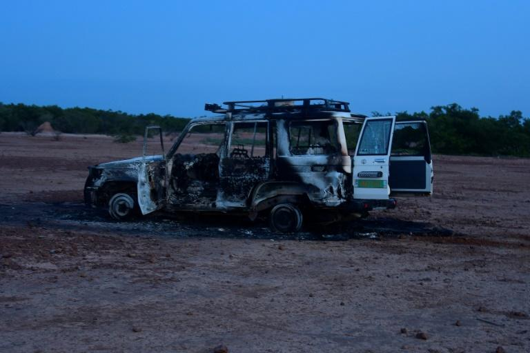 Troops launch manhunt after Niger killings, France sets terror probe