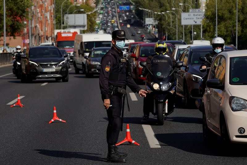 Madrid residents angry as Spain government reimposes state of emergency