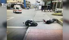 「一個騎人行道一個逆向」 2名騎士對撞倒地