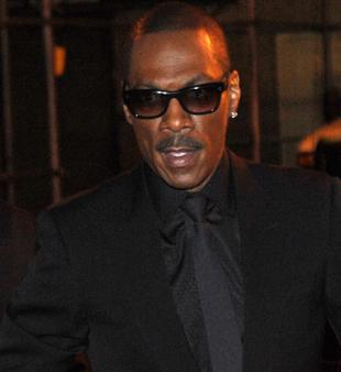 Eddie Murphy Promises He'll Show Up to Host the Oscars