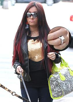 Snooki's Got a Ring: Photo Adds Fuel to Engagement Reports