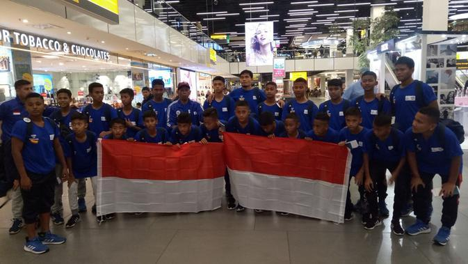 FOSSBI Rajawali Muda dan ASIOP APACINTI akan berlaga di Final Dunia Danone Nations Cup (Liputan6.com / Jonathan Pandapotan Purba)