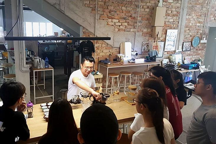 Ghostbird wholesale director Michael Tan conducting a basic hand brewing class in January before the Movement Control Order (MCO) was in place