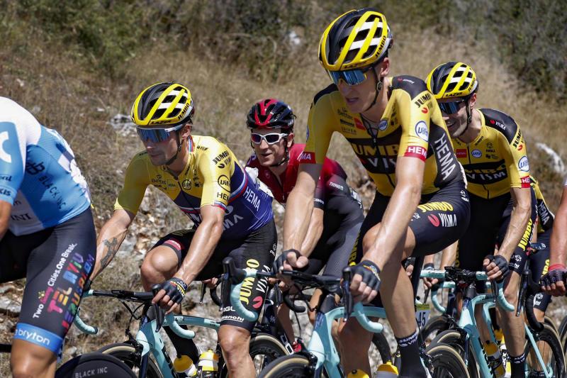 Tour de l'Ain 2020 - 1st stage Montreal la Cluse - Ceyzeriat 139,5 km - 07/08/2020 - Primoz Roglic (SLO - Team Jumbo - Visma) - Robert Gesink (NED - Team Jumbo - Visma) - Geraint Thomas (GBR - Team Ineos) - Tom Dumoulin (NED - Team Jumbo - Visma) - photo Tim van Wichelen/CV/BettiniPhoto©2020