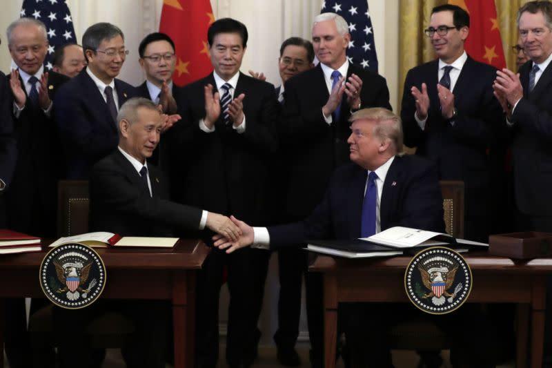 Kesepakatan perdagangan: AS kurangi sanksi, China beli lebih banyak ekspor AS