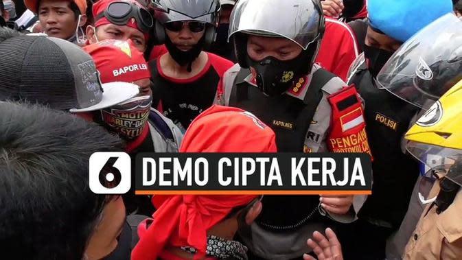 VIDEO: Kapolres Jakarta Pusat Ajak Pendemo Bernegosiasi