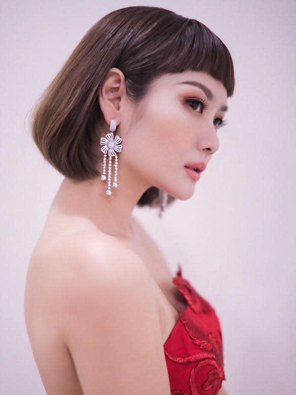 Gaya rambut Alena Wu (Sumber: Instagram/alenawuofficial)