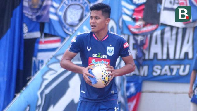 Bek sayap PSIS Semarang, Frendi Saputra. (Bola.com/Vincentius Atmaja)