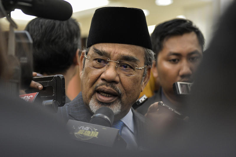 Pasir Salak MP Datuk Seri Tajuddin Abdul Rahman (pic) was suspended from the Dewan Rakyat on Tuesday over his comments on Jelutong MP RSN Rayer, where he questioned if the holy ashes on the latter's forehead were that of late communist leader Chin Peng.— Picture by Miera Zulyana