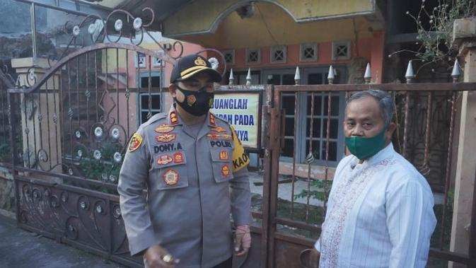 Polres Mojokerto langsung mengecek rumah seorang yang diduga jaringan ISIS. (Foto: Liputan6.com/Dian Kurniawan)