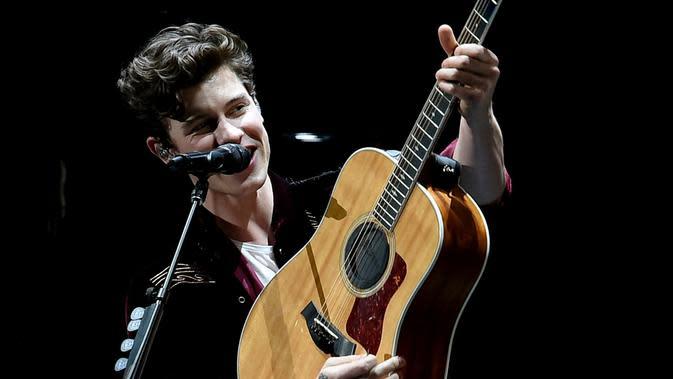 Lirik Lagu Wonder – Shawn Mendes