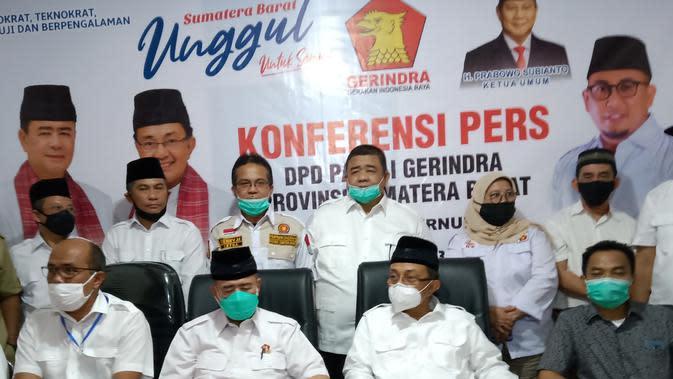Dewan Pimpinan Pusat (DPP) Partai Gerindra resmi mengusung pasangan Nasrul Abit dan Indra Catri, sebagai bakal calon kepala daerah yang akan berlaga di Pilkada Sumbar 2020. (Liputan6.com/ Novia Harlina)