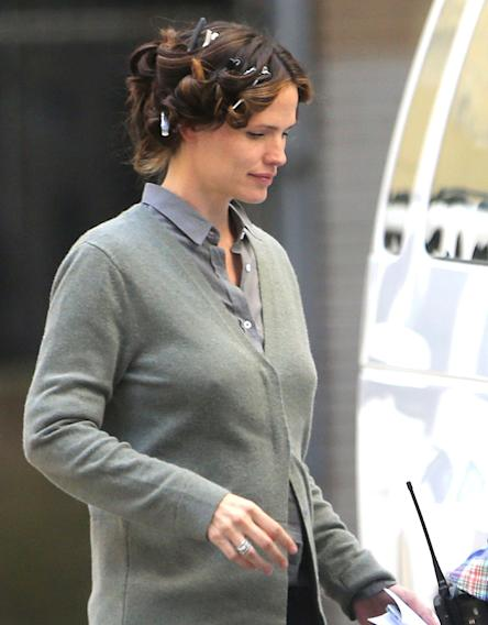 Jennifer Garner with her hair in curlers on the set of The Dallas Buyers Club in New Orleans.