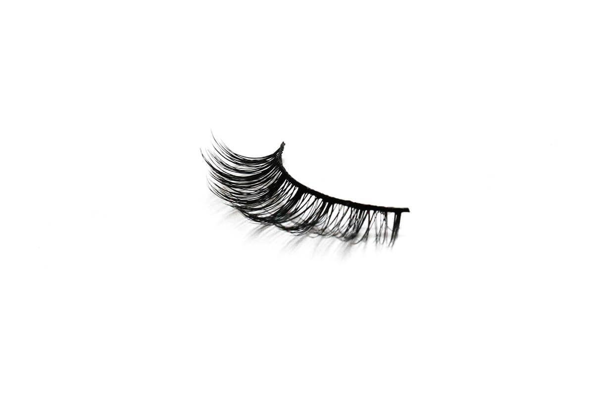 """<p><strong>dama</strong></p><p>goldendreambeauty.com</p><p><strong>$10.00</strong></p><p><a href=""""https://www.goldendreambeauty.com/shop/dama"""" target=""""_blank"""">Shop Now</a></p><p>When your <a href=""""https://www.cosmopolitan.com/eye-makeup/"""" target=""""_blank"""">eye makeup</a> look needs a little extra somethin', turn to this <a href=""""https://www.instagram.com/goldendreambeauty/"""" target=""""_blank"""">Latina-owned and operated</a> brand. Venezuelan founder and CEO <a href=""""https://www.instagram.com/ydelays/"""" target=""""_blank"""">Ydelays</a> created this line of silk <a href=""""https://www.cosmopolitan.com/style-beauty/beauty/how-to/a29445/how-to-apply-false-lashes/"""" target=""""_blank"""">false lashes</a>, which features four different shapes and styles to fit whatever vibe you're going for.</p>"""