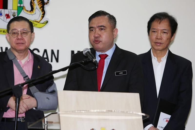 Transport Minister Anthony Loke speaks during a press conference in Putrajaya January 17, 2020. — Picture by Choo Choy May