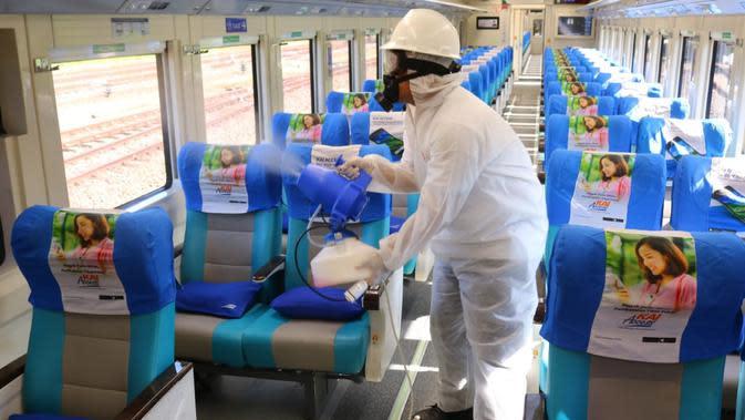 Penerapan prtokol kesehatan di dalam Kereta Api (dok: KAI)