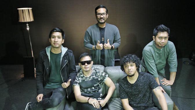 Samsons, band pop rock asal Jakarta, Indonesia. (Liputan6.com / Herman Zakharia)