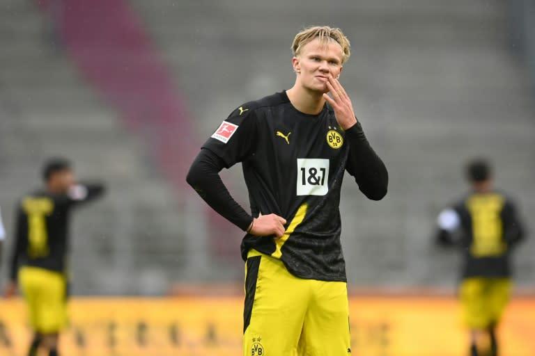 Haaland draws a blank as Dortmund crash at Augsburg