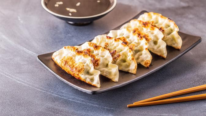 ilustrasi Resep aneka macam gyoza, makanan ala Jepang yang mudah dan praktis di buat/Tatiana Bralnina/shutterstock