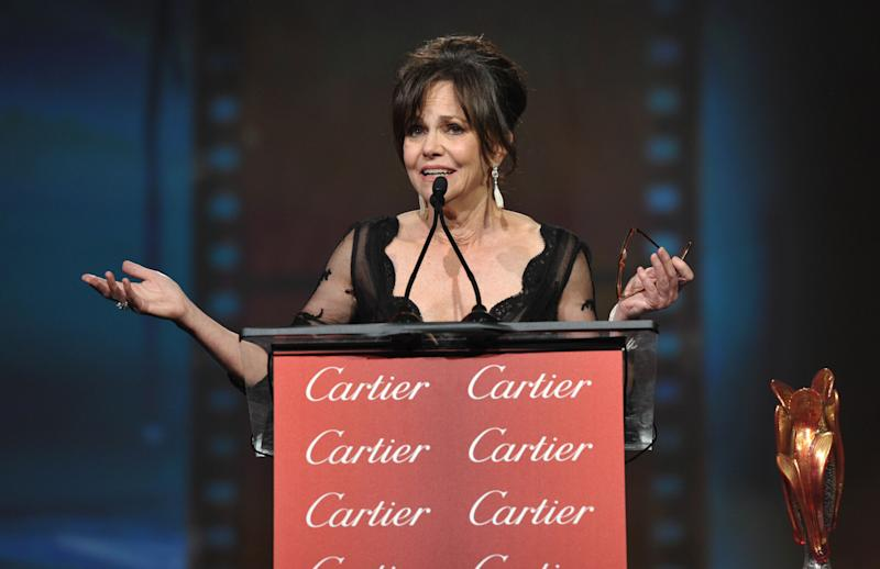 Another memorable Sally Field acceptance speech includes pelican love scenes