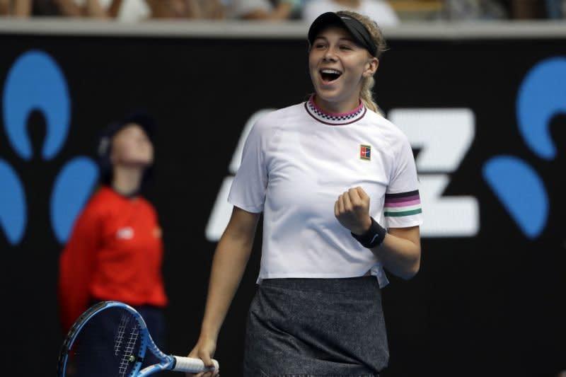 Nyaris kalah, Anisimova tundukkan Dolehide di Charleston