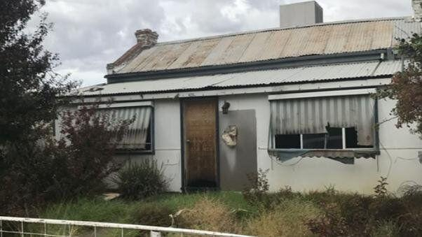 A picture of the house sold for $7,000 in Hay, NSW.