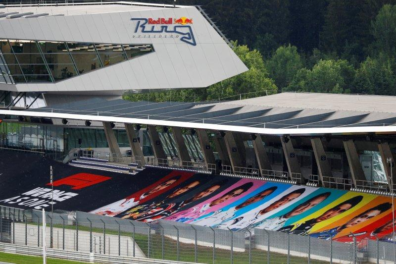 Pebalap F1 bersatu melawan rasisme jelang GP Austria
