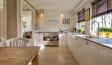 看室內設計疑惑「開放式廚房」好用嗎?網一面倒搖頭:台灣不適合
