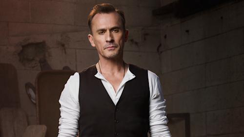How Robert Knepper Makes Bad Look So Good