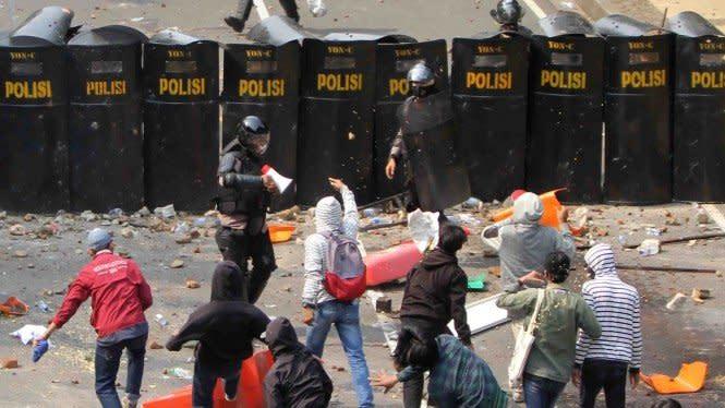 ICW Duga Polri Belanja Rp408 Miliar Bungkam Demo Omnibus Law