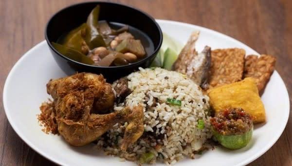 10 Makanan Khas Bandung yang Paling Populer dan Enak, Mana Favoritmu?