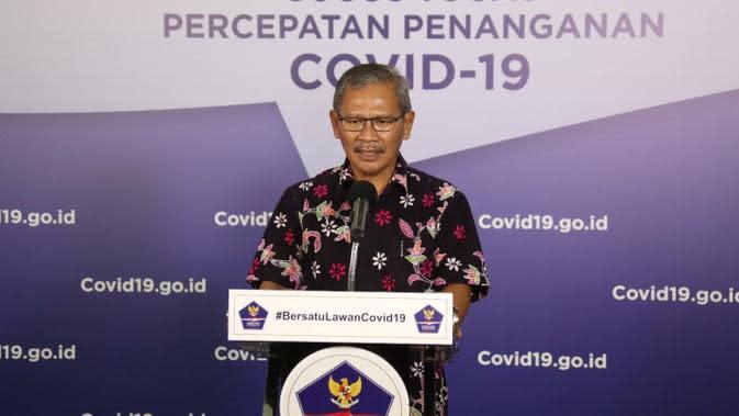 Juru Bicara Penanganan Covid-19 Achmad Yurianto memberikan orang-orang yang terinfeksi Virus Corona penyebab COVID-19 saat konferensi pers di Graha BNPB, Jakarta, Sabtu (9/5/2020). (Dok Badan Nasional Penanggulangan Bencana/BNPB)
