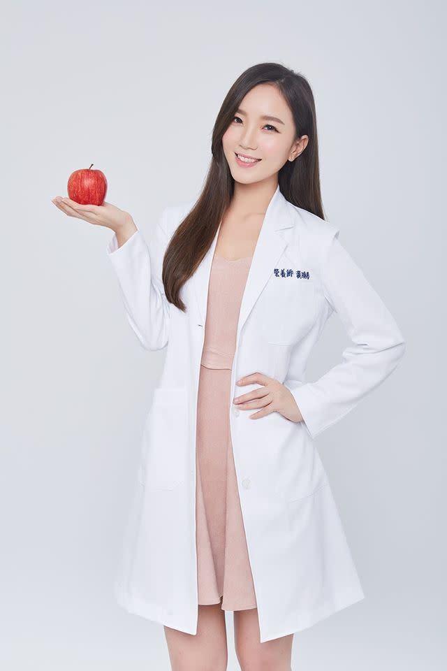營養師黃曉彤激推「5蔬果」,烤肉搭配吃,減少腸癌發生機率。(圖/黃曉彤臉書粉專)