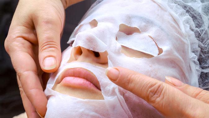 Ilustrasi masker wajah (iStockphoto/Csaba Toth)