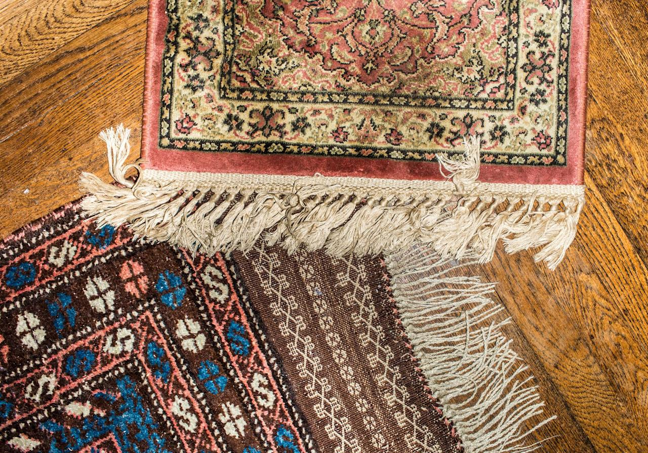 """<p>If you think you have to dedicate tons of time to visiting antique shops and dealers IRL to find the vintage rug of your dreams, guess what—you can find your perfect rug without ever getting up from the sofa. Much like <a href=""""https://www.housebeautiful.com/shopping/furniture/a26988678/antique-vintage-furniture-online/"""" target=""""_blank"""">vintage furniture</a>, there's actually a vast selection of vintage <a href=""""https://www.housebeautiful.com/shopping/best-stores/g23119673/places-to-buy-rugs-online/"""" target=""""_blank"""">rugs online</a>, if you know where to look. These resources, from specialty sites to retailers you already know and love, have you covered at every style and budget, so look no further.</p>"""