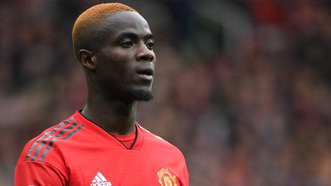 7. Eric Bailly (Manchester United) - Bek tengah asal Pantai Gading ini mulai kehilangan tempat utama di MU sejak kepergian Jose Mourinho. Ketatnya persaingan di lini belakang Setan Merah bisa menjadi alasannya meninggalkan Old Trafford. (AFP/Paul Ellis)