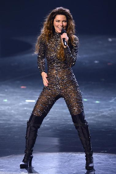 Shania Twain Stuns Crowd In Las Vegas After 8 Years Away From Stage