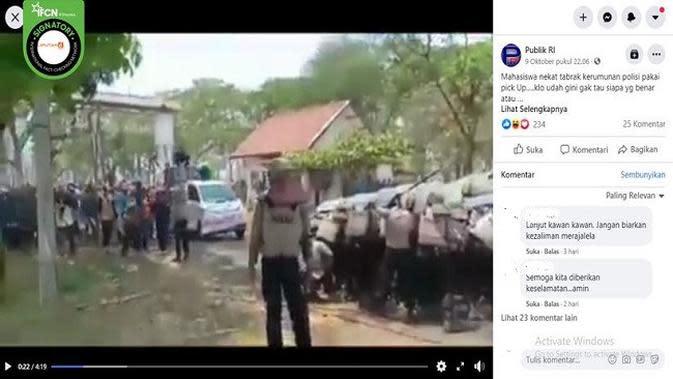 Gambar Tangkapan Layar Video Mobil Pick Up Tabrak Kerumunan Polisi