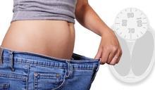 女子靠吃水果減肥 營養師曝:恐越吃越胖變脂肪肝