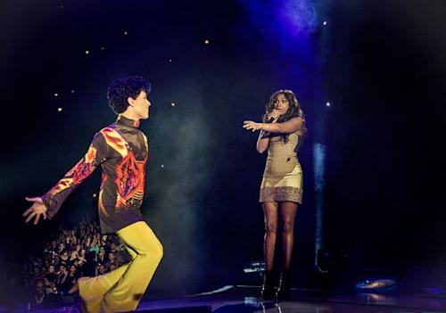 Jennifer Hudson Joins Prince For 'Nothing Compares 2 U' During 'Welcome To Chicago' Set