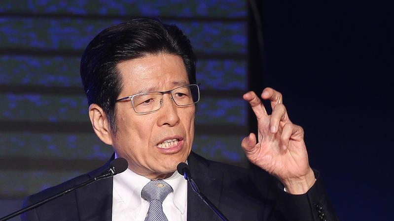 嚴長壽說「偽出國」會加速毀滅台灣,你認不認同?